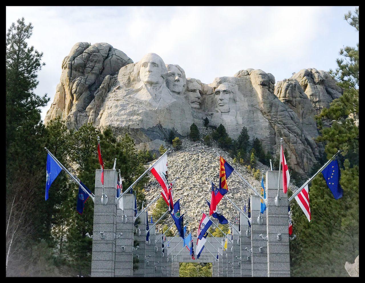 Great Faces Sculpture Mountain American Mt. Rushmore Scenic View Cold Temperature South Dakota.