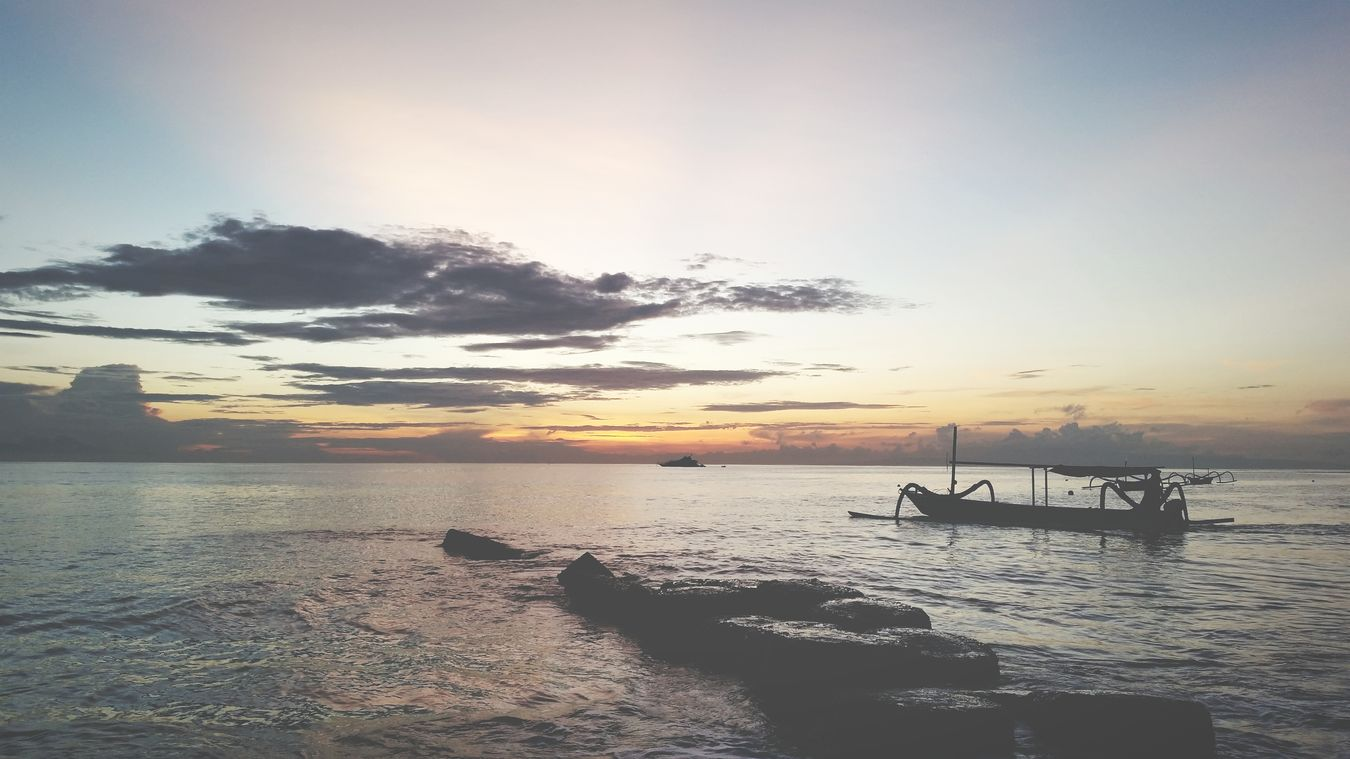 Taking Photos Sunrise Boats⛵️ Bali, Indonesia Traveling Enjoying Life Balisunrise NatureIsBeautiful