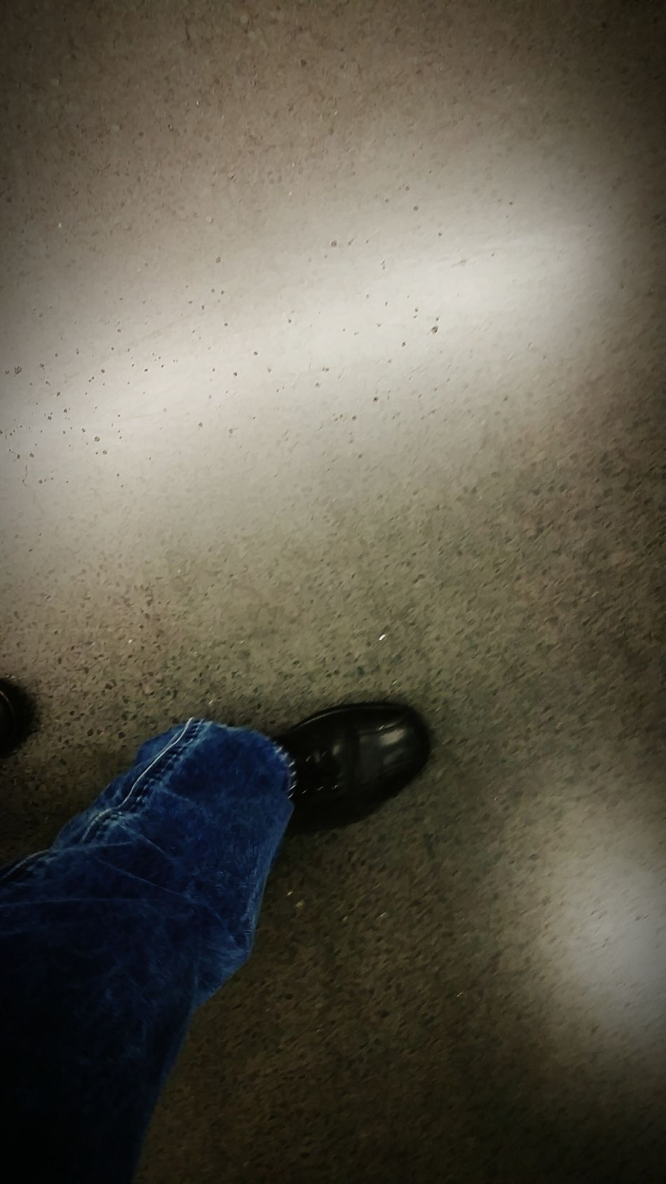 Shoes Jeans Schuhe  Schritte Steps Nacht Night Boden Ground