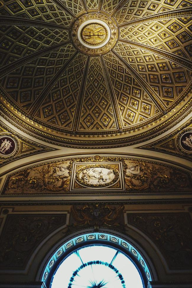 Ceiling Indoors  Travel Destinations Pattern Dome Low Angle View Religion Cupola Architecture Lookingup Place Of Worship Fresco Illuminated Day