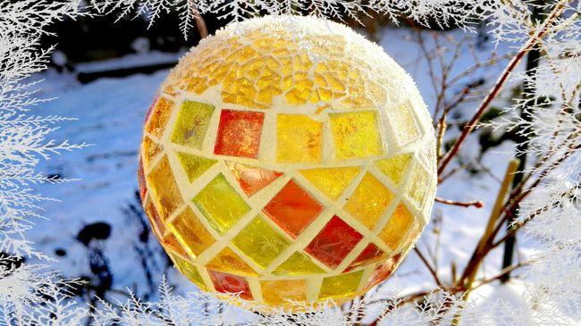 Cold Temperature Multi Colored Snow Winter in Berlin Season  Frozen Ice Age In Our Garden Berlin Tempelhof Solar Lamp