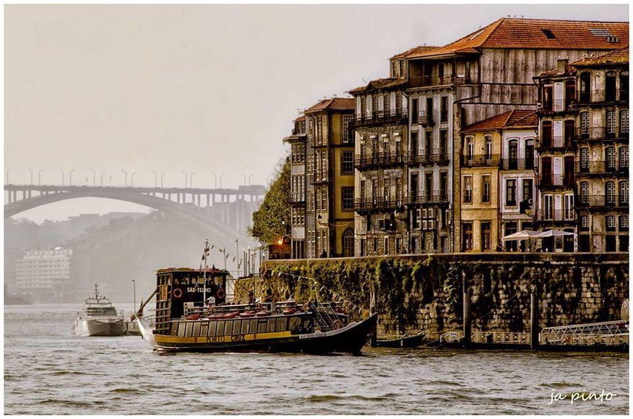 Ja Pinto Taking Photos EyeEn Porto Streetphotography
