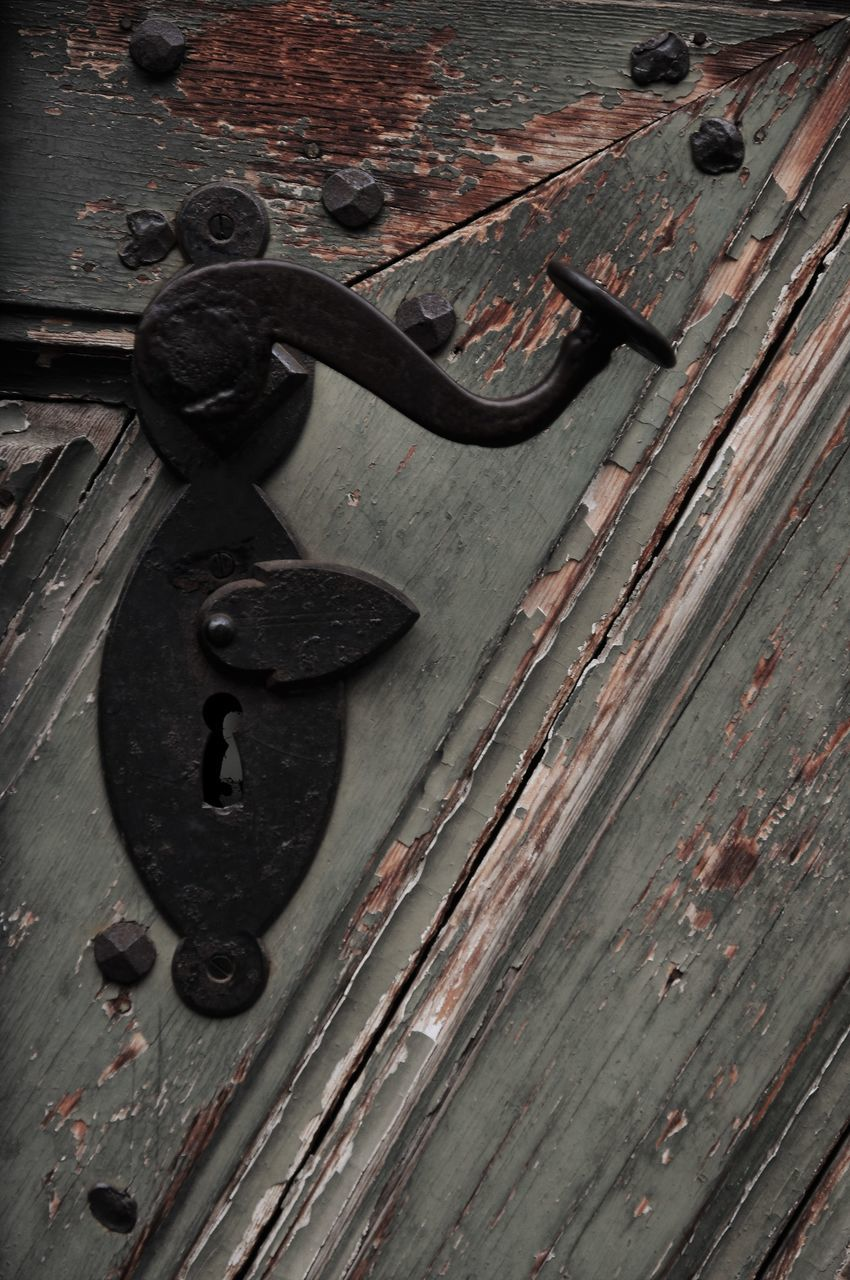 wood - material, metal, rusty, close-up, door, no people, outdoors, weathered, day, latch, old-fashioned, backgrounds