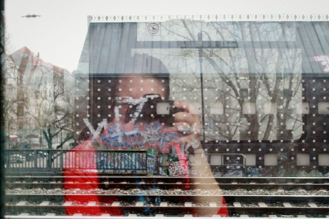 In Fahrt! | ON THE GO Taking Photos Canonphotography The Portraitist - 2016 EyeEm Awards Self Portrait The Photojournalist - 2016 EyeEm Awards Streetart/graffiti My Fuckin Berlin Urbanexploration Travel Photography Urban Lifestyle Window Reflections Window View EyeEm Best Shots Eye4photography  Berlin Photography The Street Photographer - 2016 EyeEm Awards From My Point Of View Berlin S Bahn