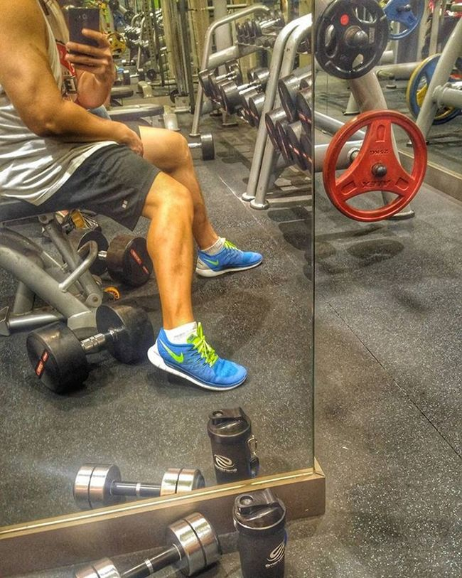 Fitness Gym GymRat Workout Hypertrophy Healthylifestyle Calves Smartshaker Dumbbells Nike Freerun5 Val  2016 LGG4 LG  G4 Nopainnogain 😚