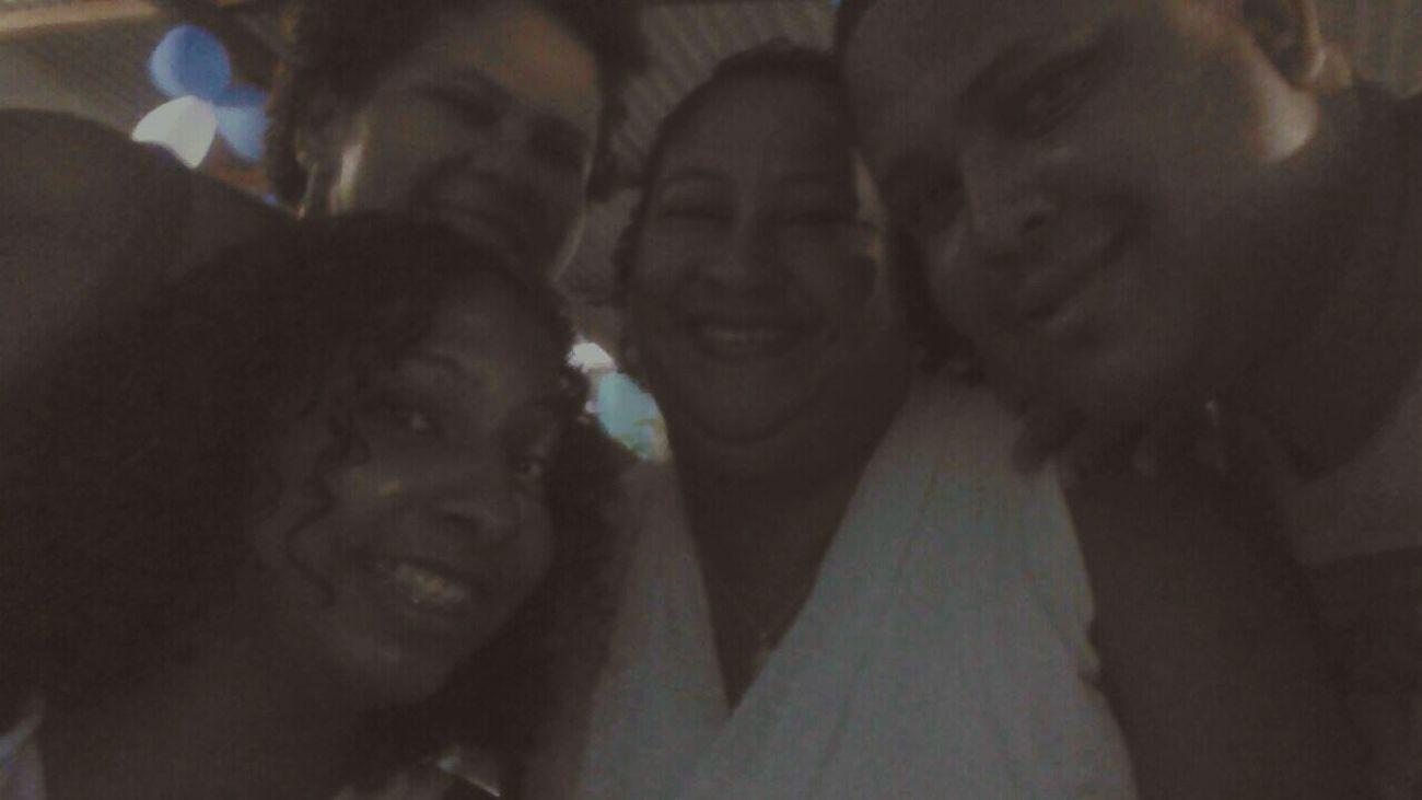 A família que pude escolher! Mainha Comadreirma Irmaochato Naoedesangue Masefamilia 👪 ❤💛💙