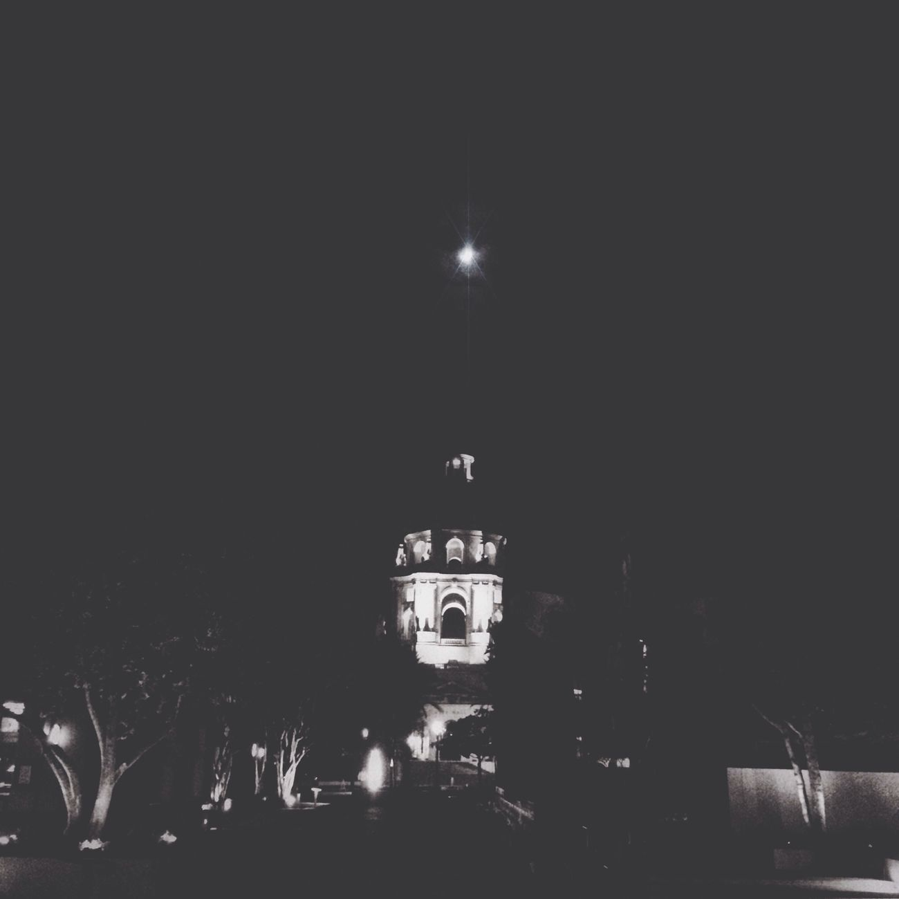 The moon over Pasadena. Eye4nightlight AMPt_community Blackandwhite
