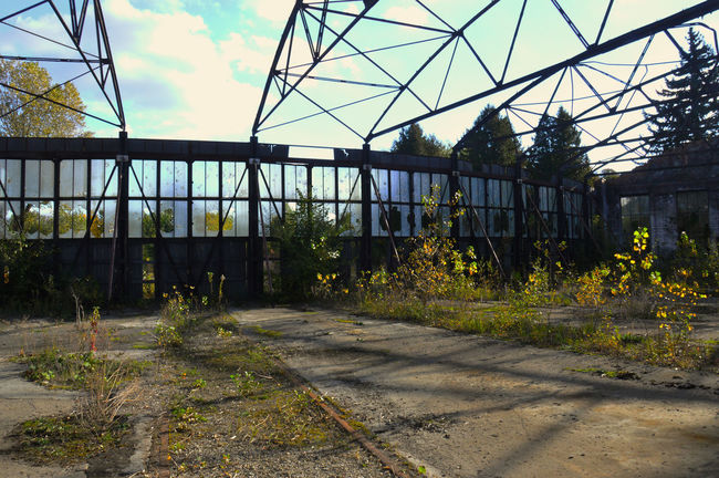 Architecture Building Exterior Built Structure Damaged Dirt Discarded Empty Road Footpath Lost Lostplaces Obsolete Railway Station Sky Sunlight Weathered