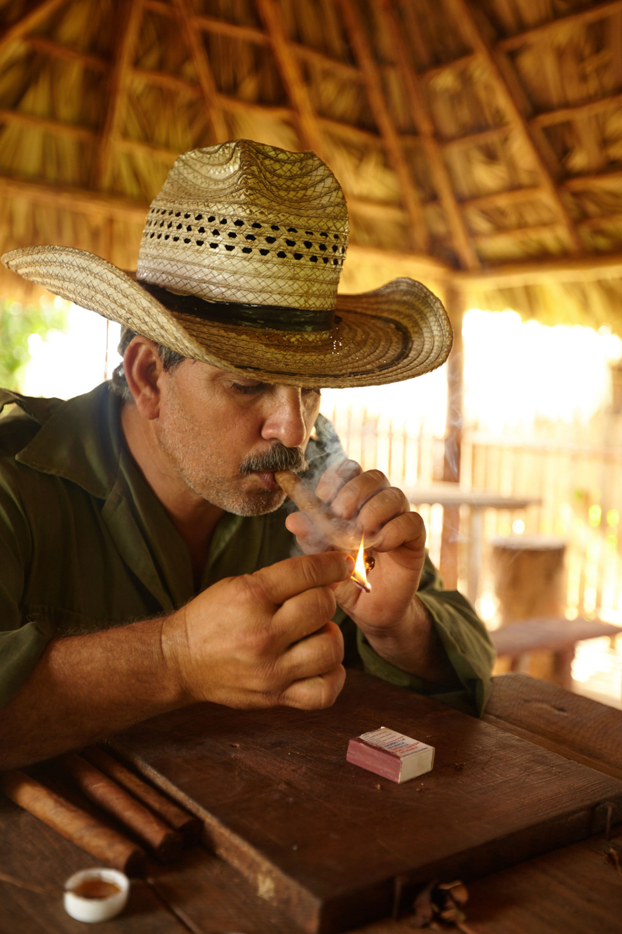 Close-up Countryside Cuban Cigar Cuban Life Day Headshot Indoors  One Person People Real People Table Tobacco Leaf