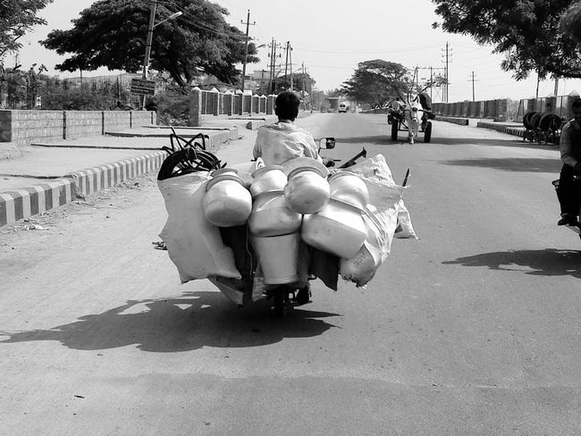 Amazing People Bicycle Load Funny Pic Place And People JRPphotography Indian Roads Incidental People City Life Outdoors Battle Of The Cities