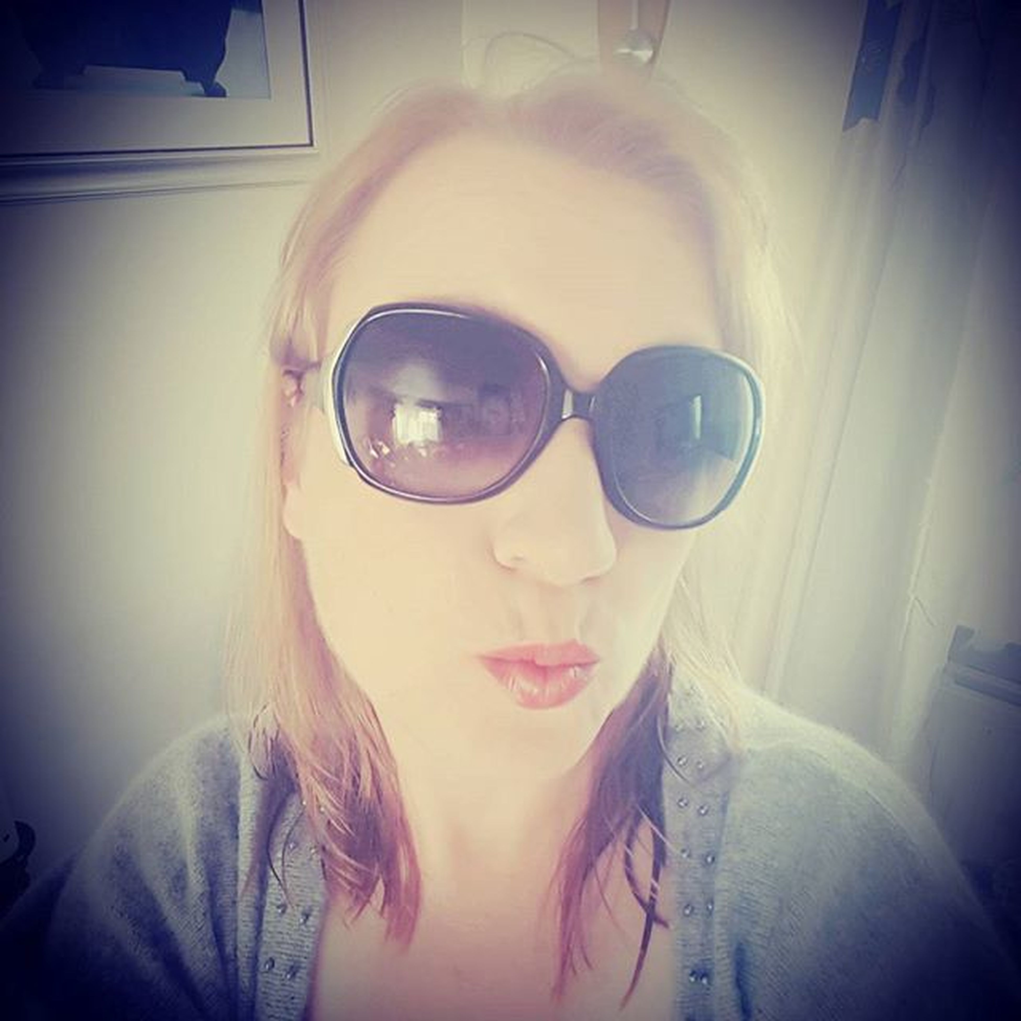Overexposure and Sunglasses is handy to hide Brokennose and Blackeyes still Gorgeous Selfie Gigtime