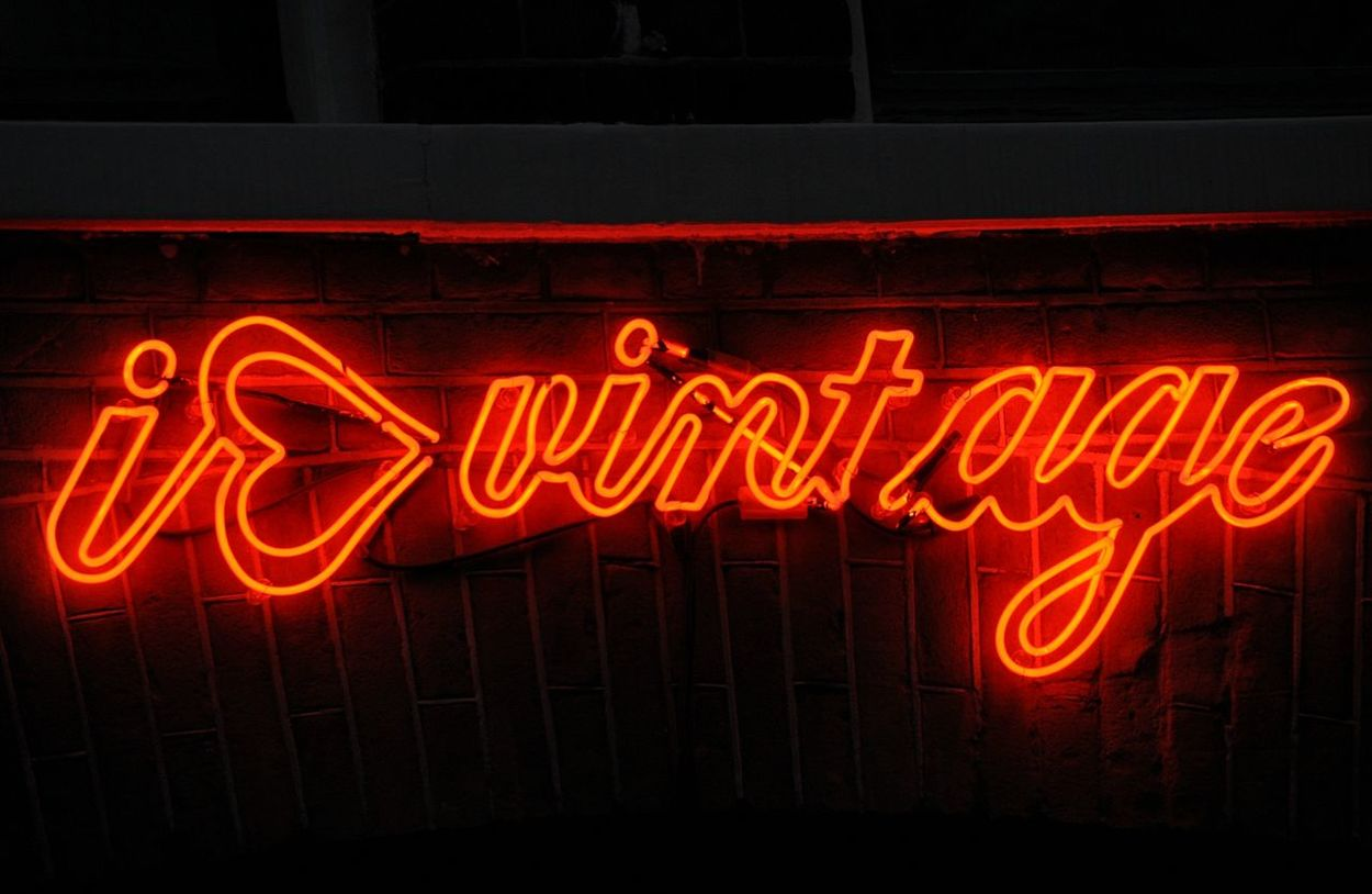 Neon Vintage Advertising Neon Sign I Love Vintage Vintage Advertising Sign Signs Red Neon Red Color Amsterdam Neon Lights Neon Color Vintage Sign Vintage Shop Vintage Signs Advertisement Advertising Signs Street Sign Clothing Advertisement Clothes Store Store Store Advertisement Store Sign