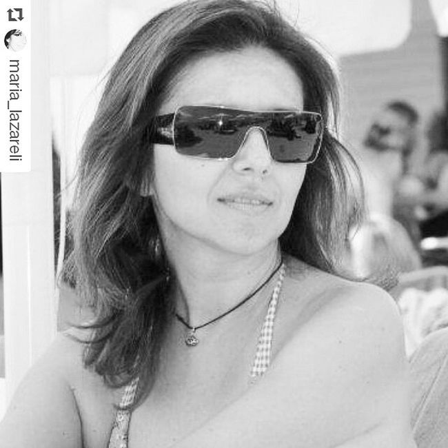 Summer_faces My_beautiful_friends Black_and_White_turn .Repost @maria_lazareli ・・・ Ενάντια στον καιρό με μαγιώ και γυαλιά! Ε πχια!!!!!