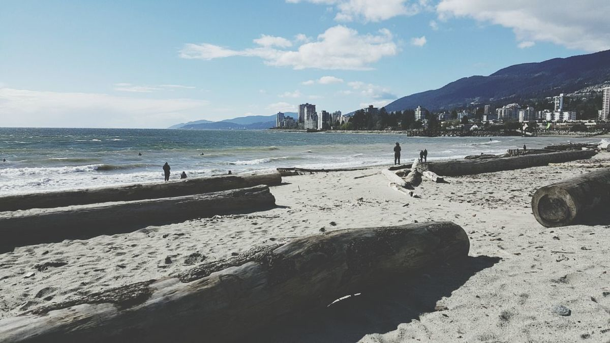 Summer is that really you? Downtown Vancouver WestCoast PNW Beautifulbritishcolumbia Canada