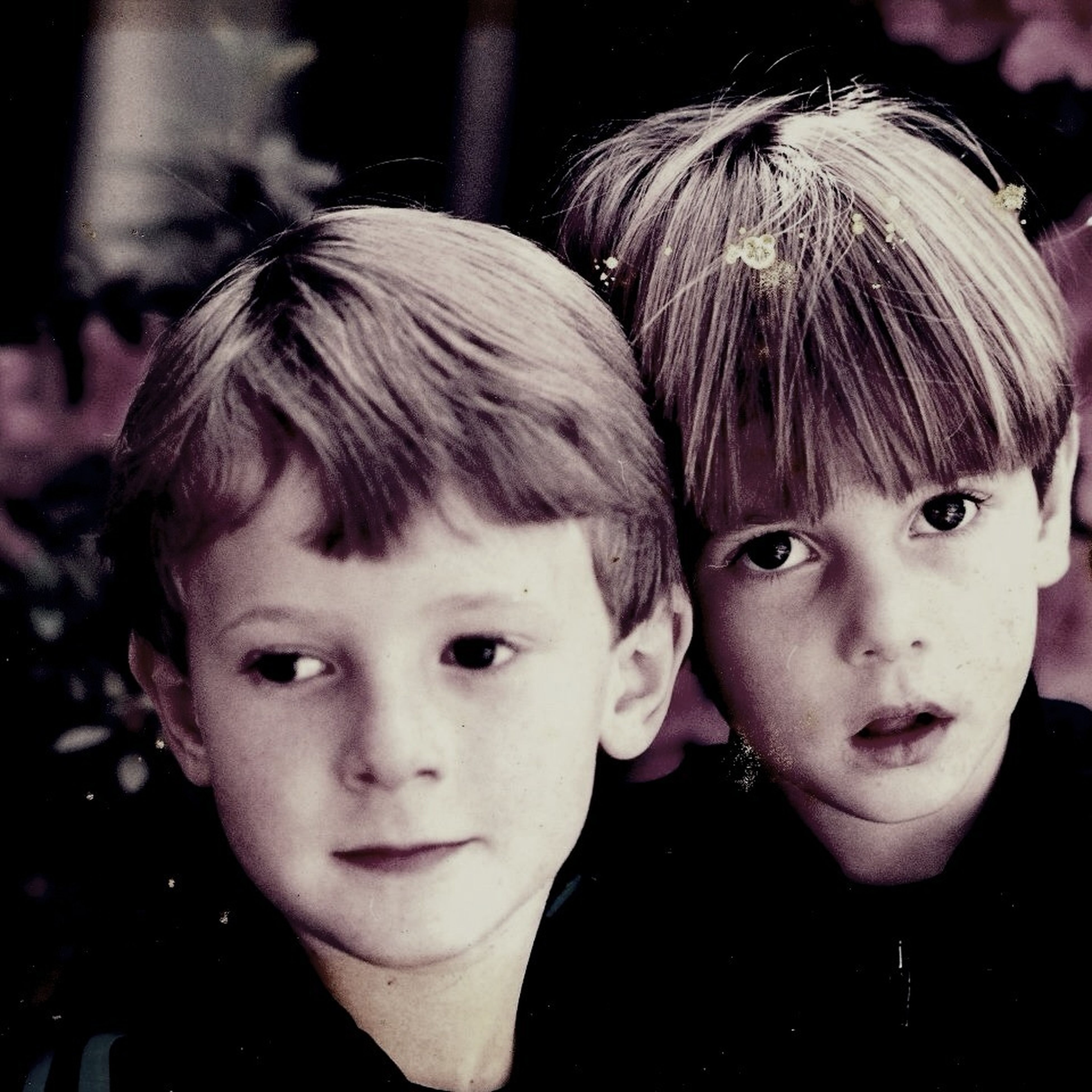 childhood, person, elementary age, headshot, innocence, boys, looking at camera, close-up, portrait, girls, lifestyles, cute, leisure activity, focus on foreground, front view, happiness, smiling, togetherness