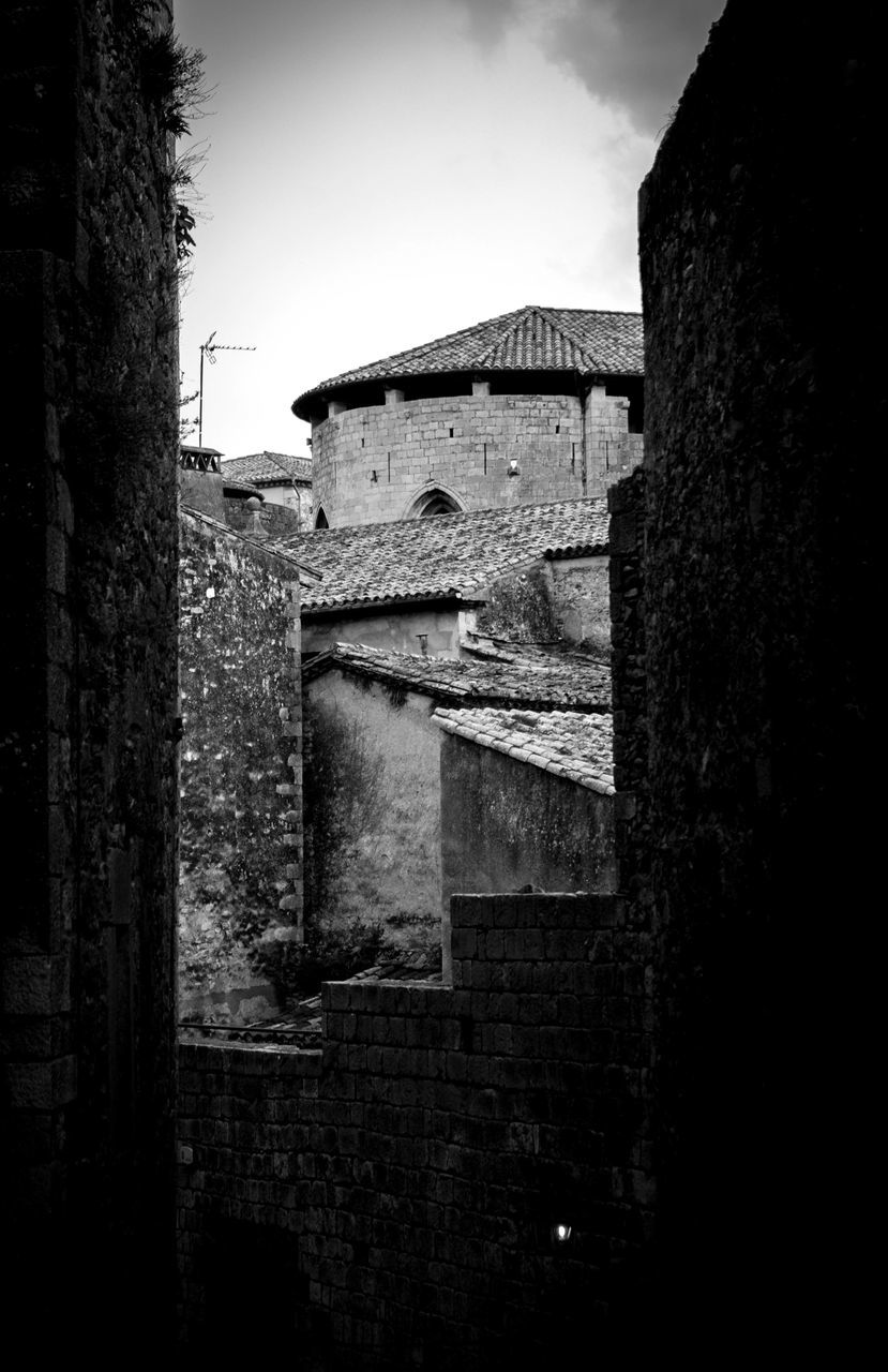 architecture, built structure, building exterior, history, no people, old ruin, damaged, window, outdoors, day, tree, sky, nature