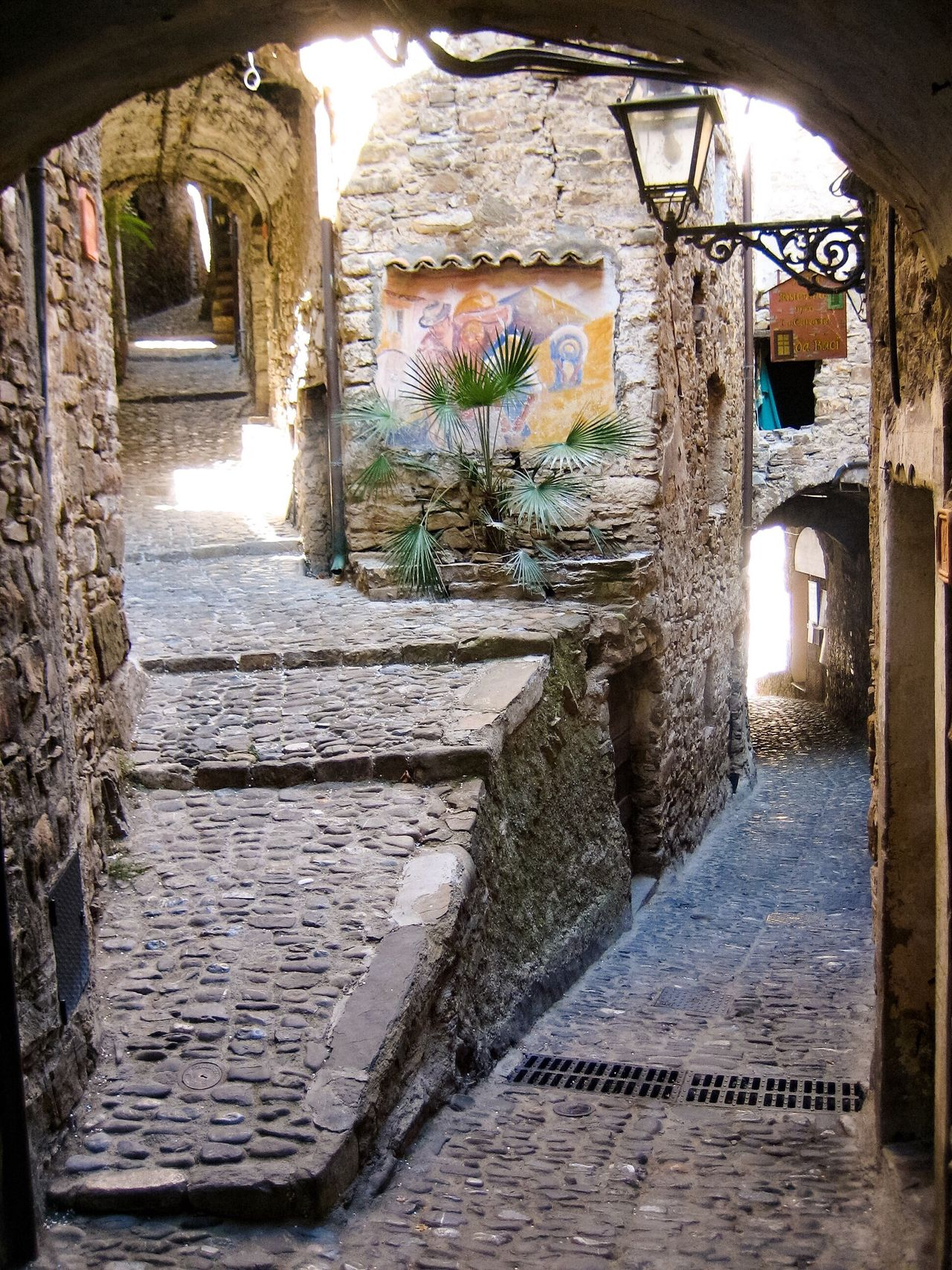 No People Eyeemphoto Tranquility Tranquil Scene Summer Alley Day Paved Narrow Narrow Street Old Buildings Buildings Italy Narrow Alleys Narrowpath Downtown Italian Village  Romantic Paved Street The Way Forward