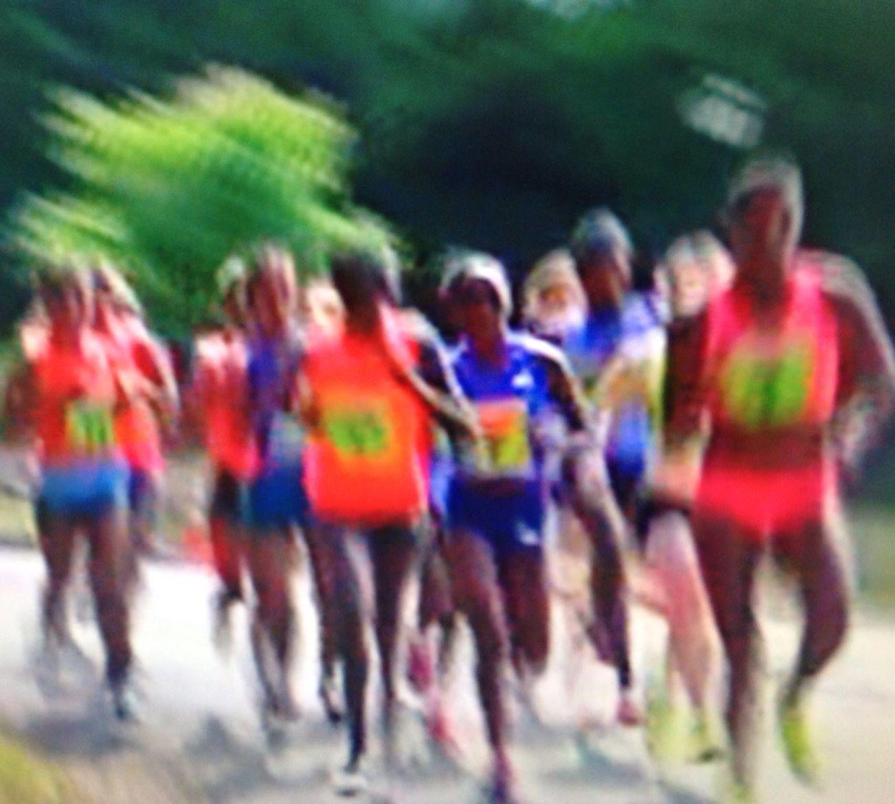 Capturing Movement ©Ann Rigley IoLIGHTstudios  Runners