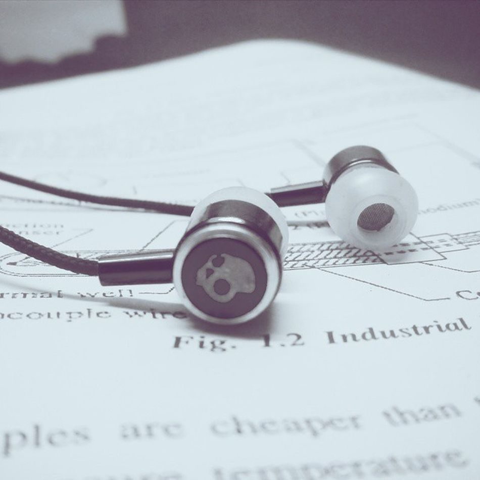 Best way to study....Music On Tention Gone....Exam_time Skullcandy Vscocam Music