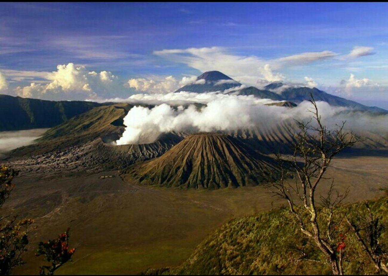 Indonesian Summit , Bromo mountain Volcano .. 😄😄 Beautiful Mountain View Savanabromo Bromo Summit