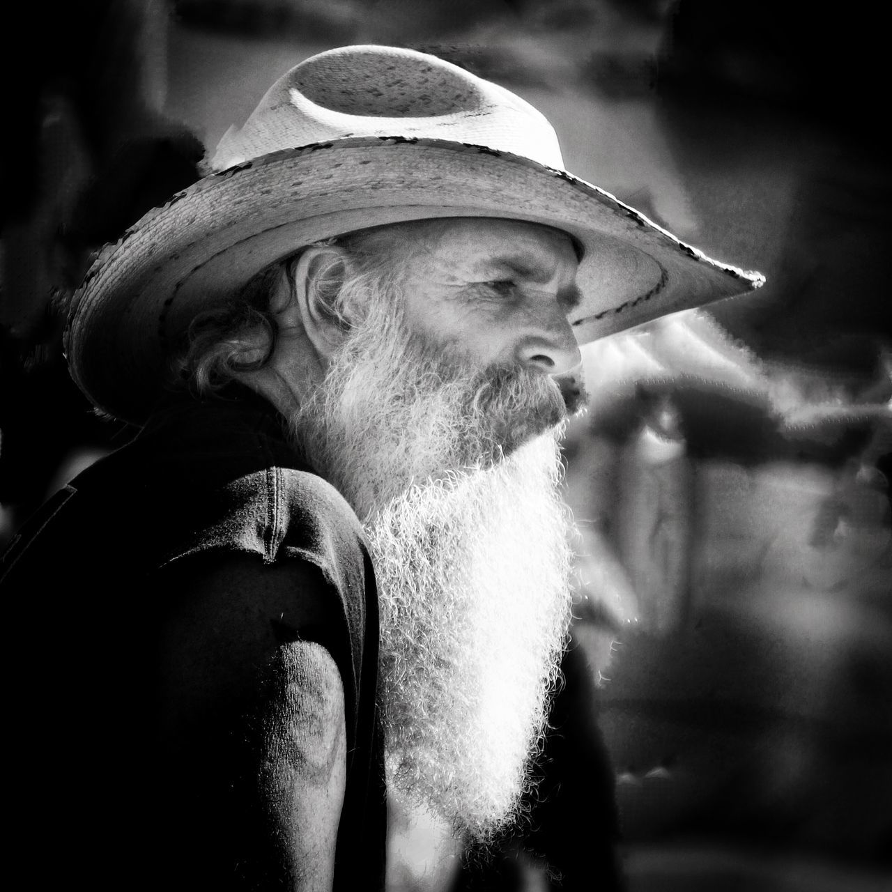 real people, hat, one person, senior adult, beard, men, outdoors, lifestyles, day, portrait, close-up
