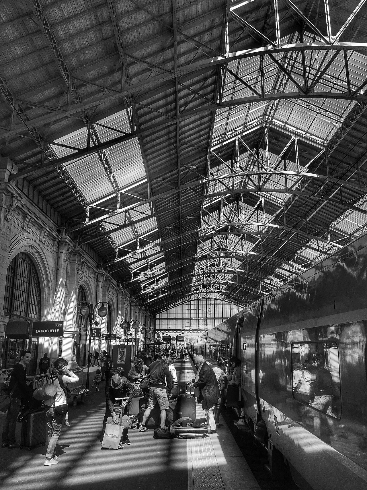 Transportation Railroad Station Built Structure Large Group Of People Public Transportation Rail Transportation Architecture Transportation Building - Type Of Building City People