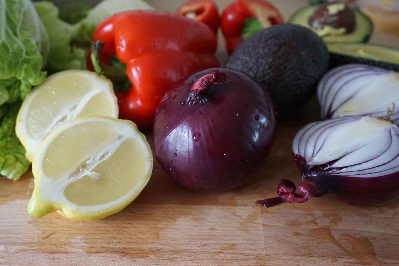 Fresh vegetables Avocado Close-up Day Food Food And Drink Fresh Freshness Healthy Eating Indoors  Ingredient Ingredients Lemon Lettuce No People Paprika Red Onion Salad SLICE Still Life Table Vegetables Vegetarian Vegetarian Food