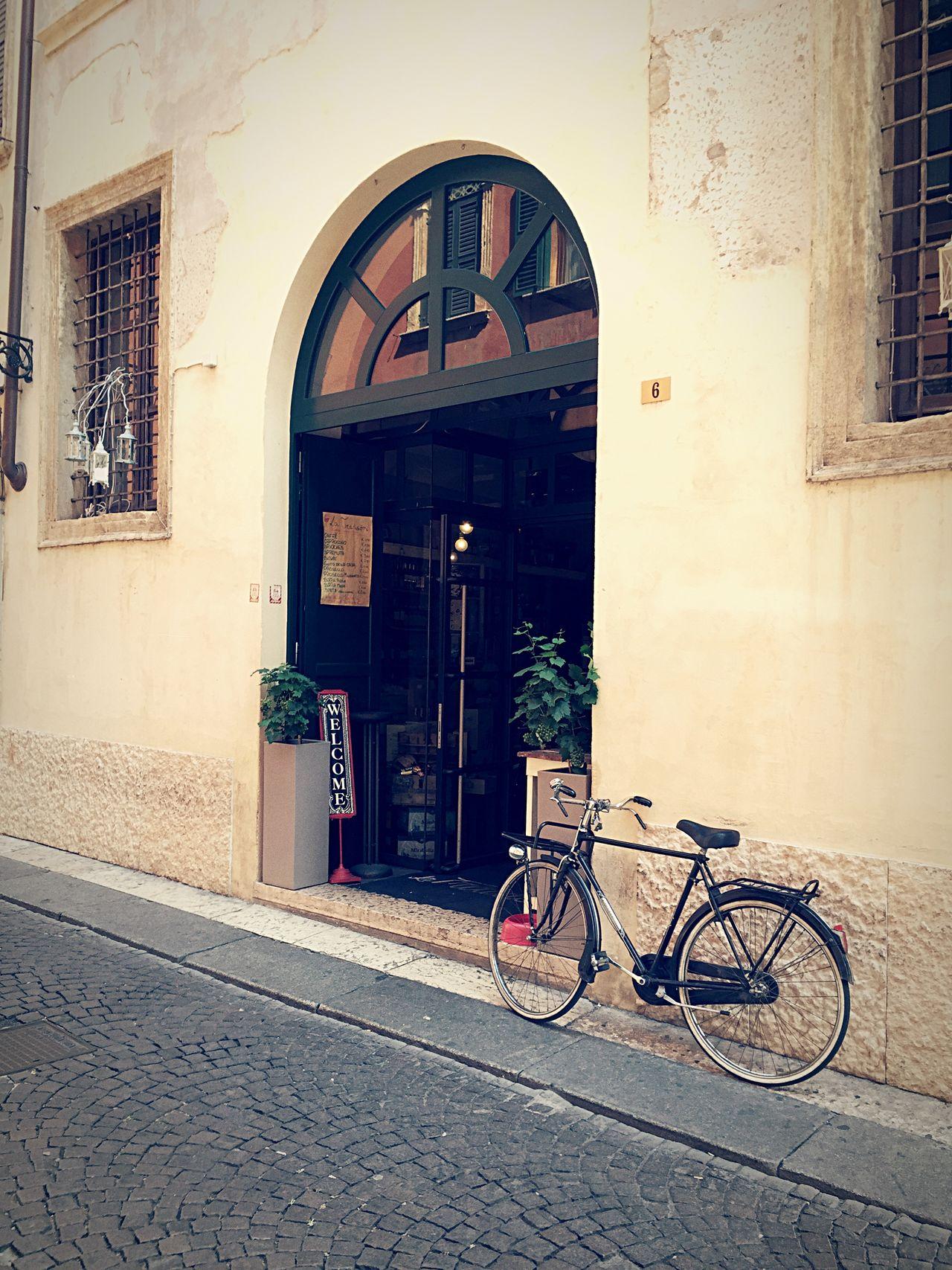 La Tradision Bar Verona Italy Italy❤️ Italia Bicycle Streetphotography Street Photography Bike