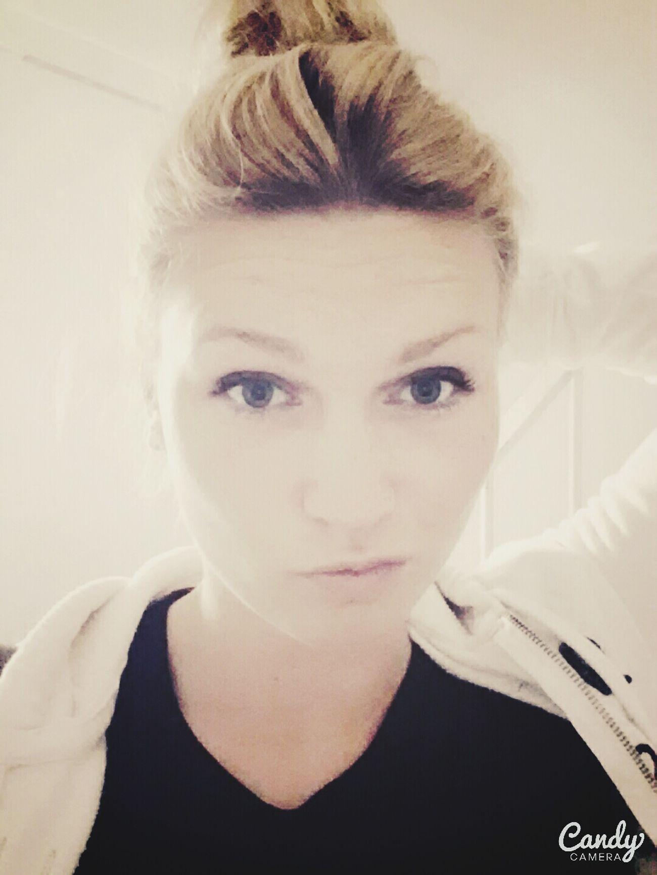 Hanging Out That's Me Hi! Life People Selfie Läuft👌 Blondie