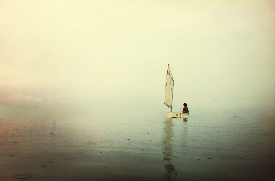 Beautiful stock photos of boat, Beauty In Nature, Boat, Fog, Horizontal