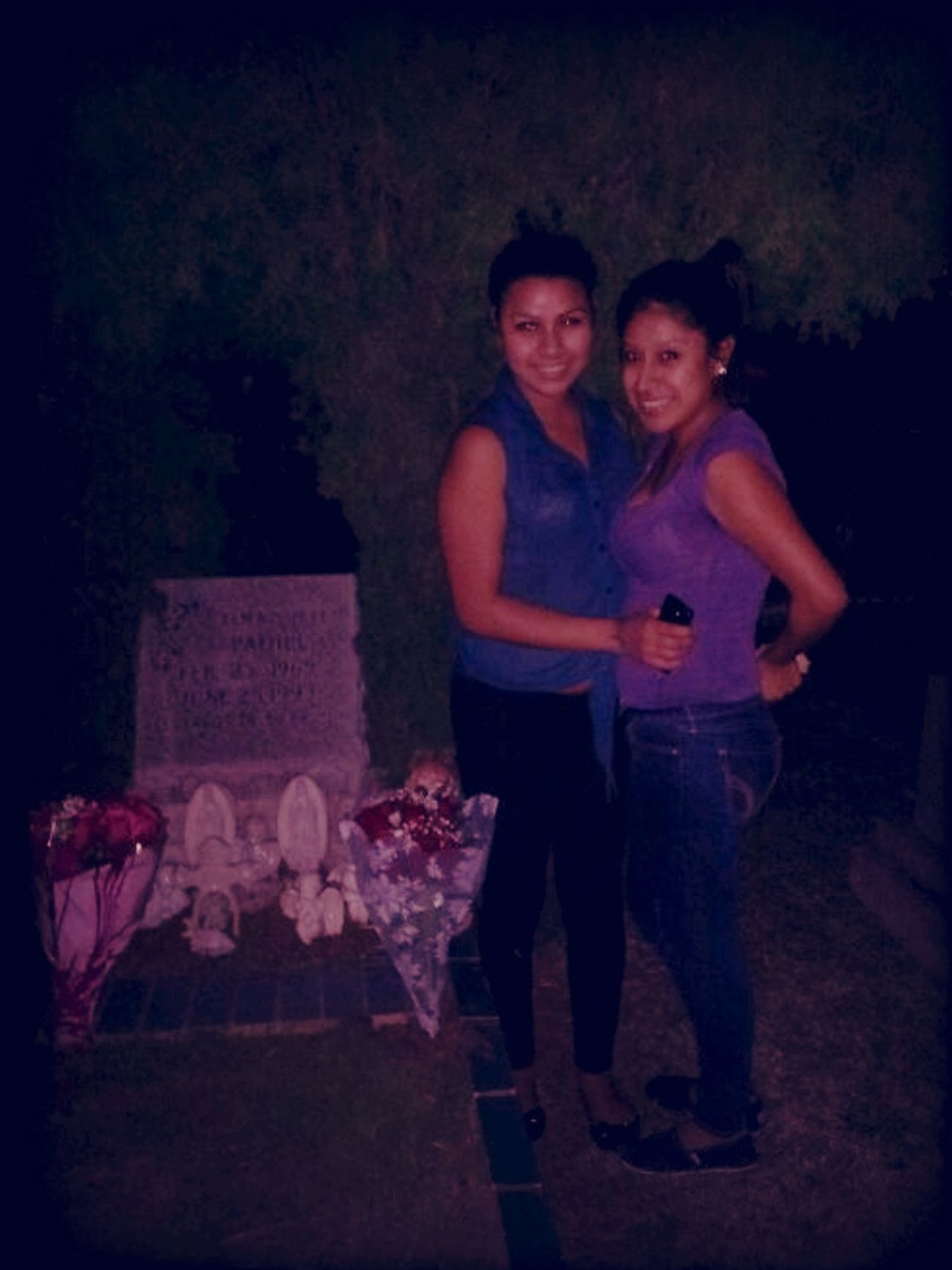 I Took My Close Home Girl To My Moms Grave This Is A Real Friend :)