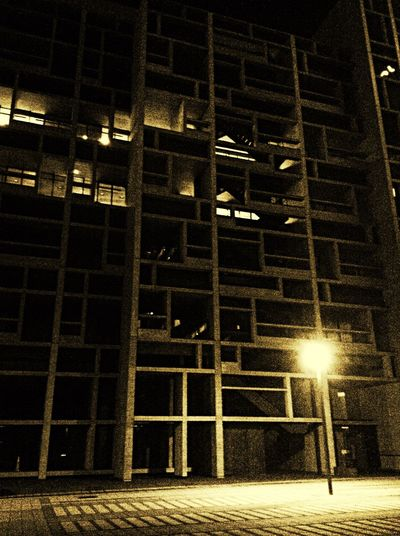 IPod Touch での夜景は難しい・・・σ(^_^;) Nightphotography Architecture