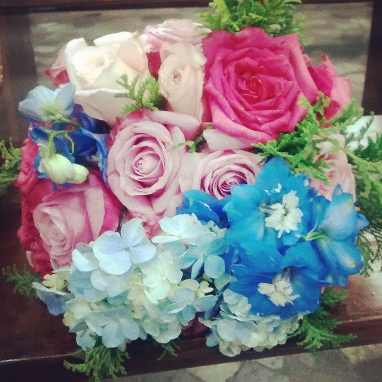 Para nossa noiva Aline, todo o Amor do mundo em forma de flor! Felicidades ao casal! Decoracaopersonalizada Decoracaodefestas Decoracaodecerimonia Decoracaodecasamento Bouquetdenoiva Arranjodeflores Casamentorosaeazul