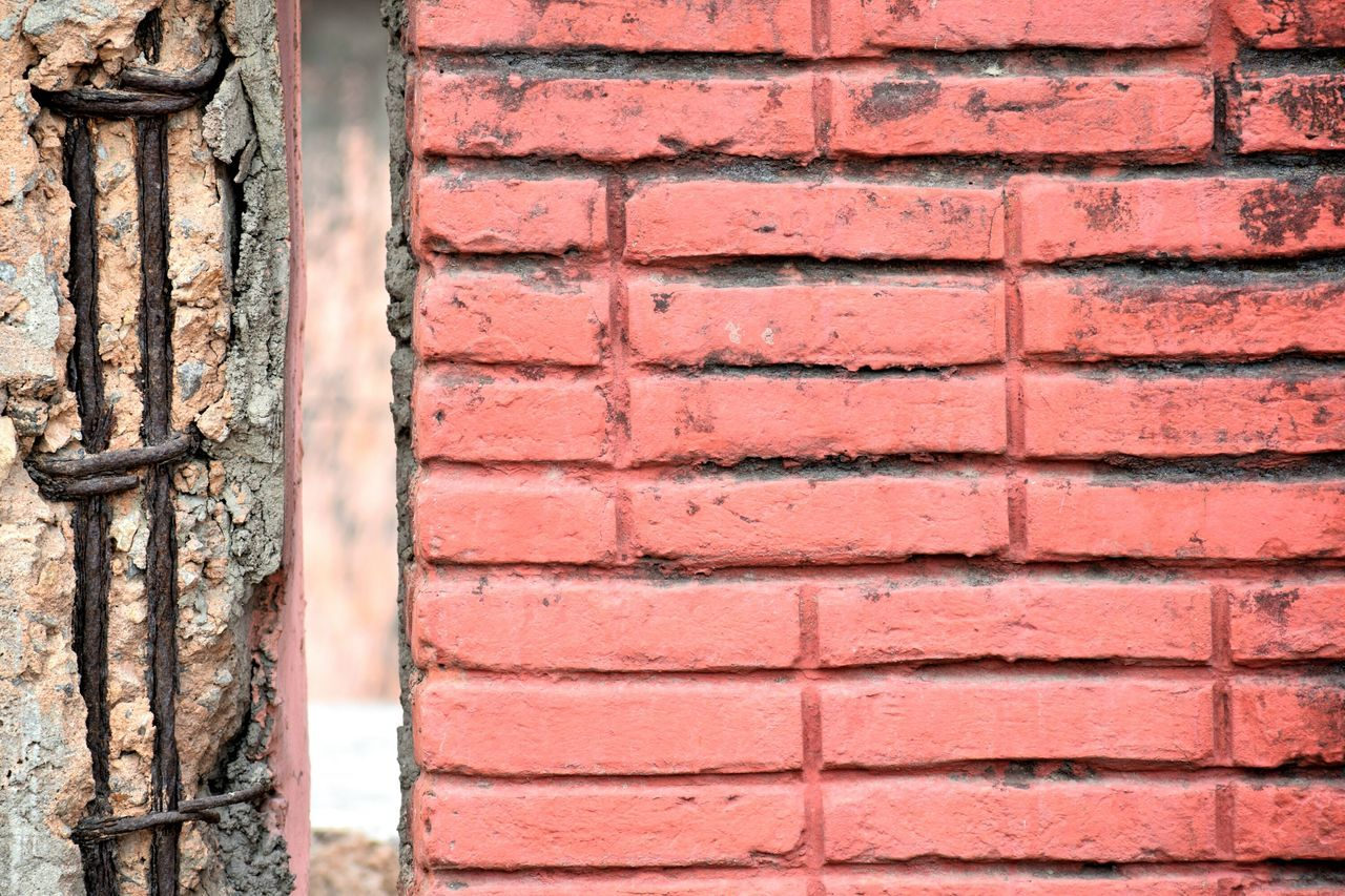 Wall - Building Feature Built Structure Brick Wall Architecture Day Outdoors Building Exterior Textured  Backgrounds No People Full Frame Close-up Brick Red Colorfull Seamless Pattern Wallpaper Old Buildings The Architect - 2017 EyeEm Awards