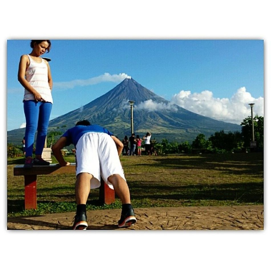 Now tell me who's the boss? 1000 push ups or I'll thunder punch you? Lol Sadist and the Masochist (in a good way though)