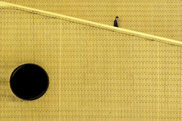 Wall'Ker Architecture Day Minimal Minimal_perfection Minimalhunter Minimalism Minimalism Photography Minimalism_masters Minimalist Minimalist Architecture Minimalist Photography  Minimalista Minimalistic Minimalistics Minimalmood Minimalobsession Minimalove One Person Real People Walker Walkers Wall Wall Art Walls Yellow