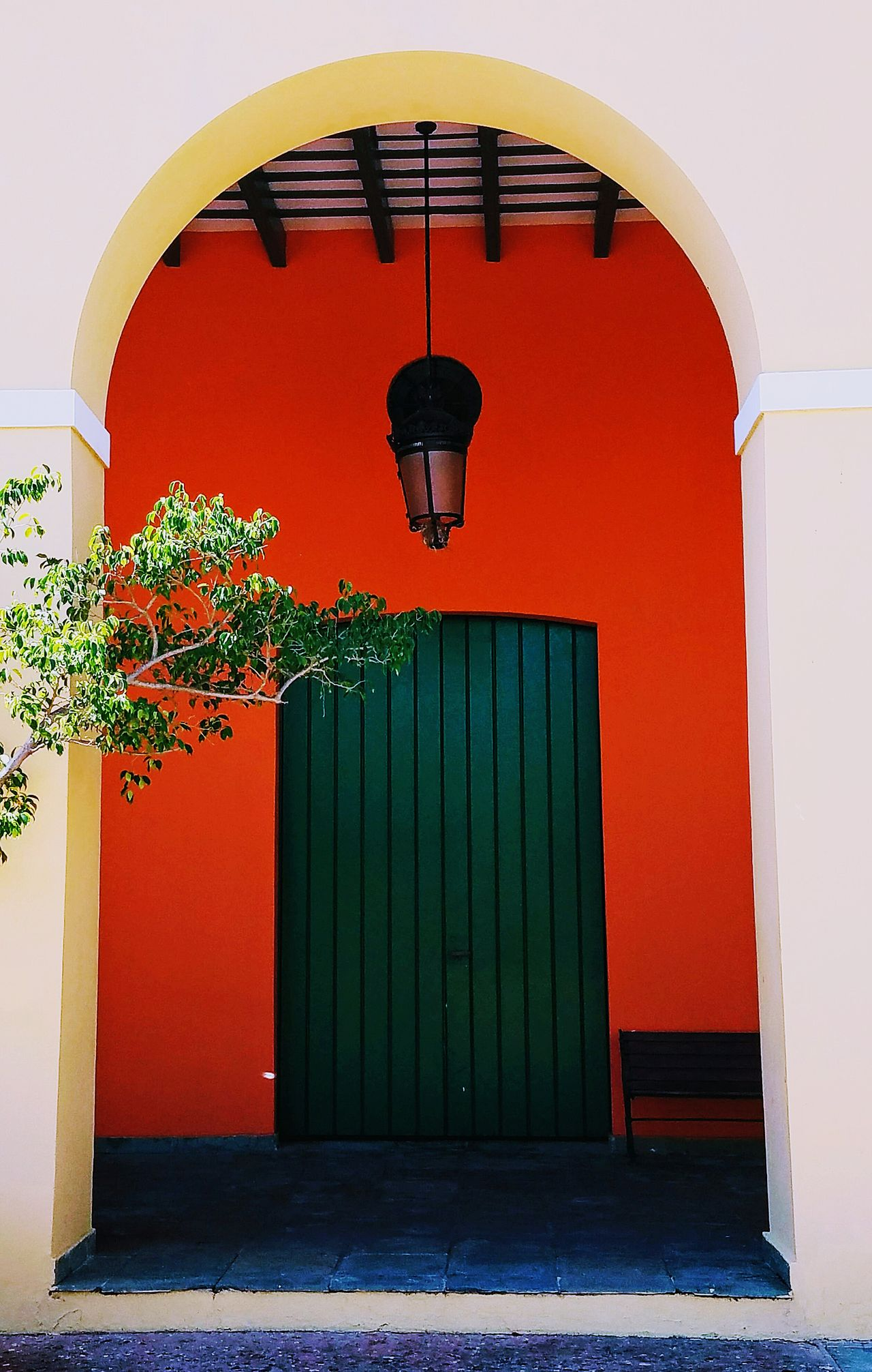 Door Ornate Perspective Minimalist Architecture Minimalism Architectural Detail Simple Elegance Architecture Colors Of My City San Juan PR The Architect - 2017 EyeEm Awards Light And Shadow Urban Exploration Fine Art Photography Full Length Built Structure Arch Simplicity Forms And Shapes