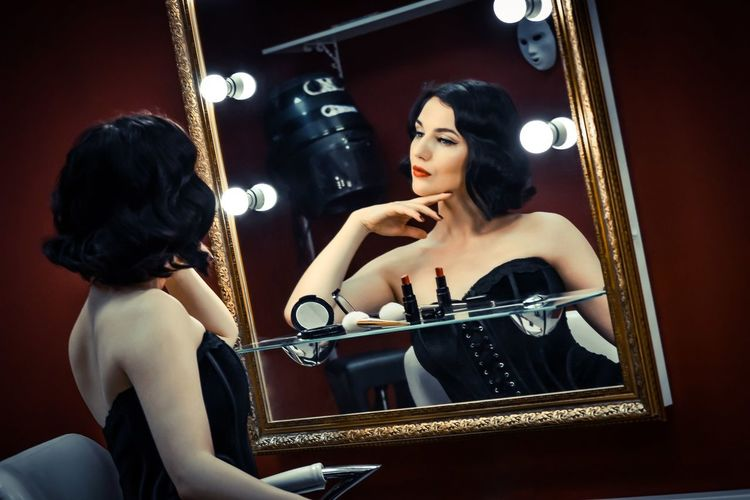 Archival Young Adult Music Beauty Young Women People Adults Only Indoors  Portrait Adult Gramophone Fashion Performance Ballet Dancer Women Of EyeEm One Young Woman Only Pin-Up Beauty Pin-up Pin-up Makeup Red Close-up One Woman Only Only Women Beautiful People Retro