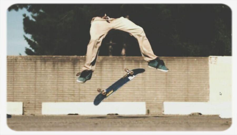 A arte de ser da rua e estar com ela sempre Skateboarding Kickflip