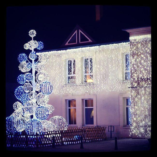 La bibliothèque illuminée à Gouvieux en décembre 2014 Gouvieux Oise  Picardie 60270 illumination noel chrismas chrismasillumination