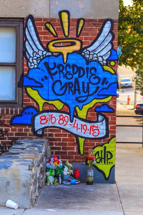 Grafitti Public Art Lightinstallation Public Art Baltimore Freddie Gray Rip Rest In Peace