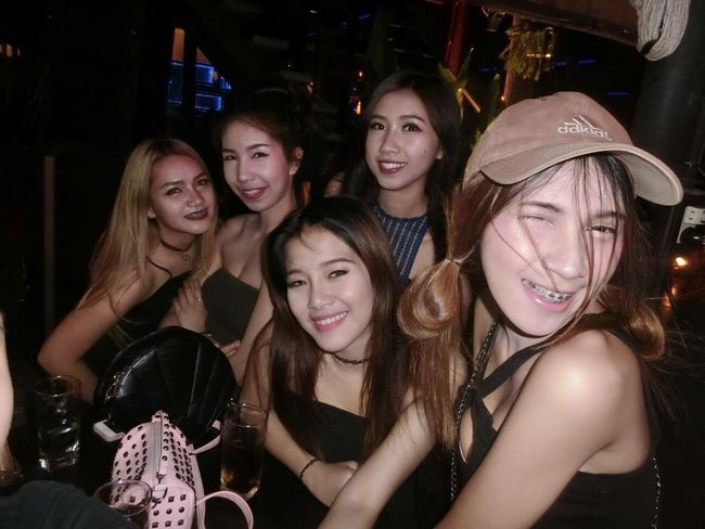 My Friends And Me Went To.. Party Nightphotography Sexygirl Fun Funtime 😚