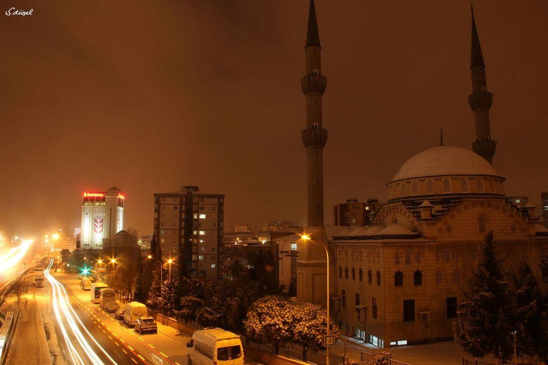İyi Geceler / Maltepe / Ocak 2015 Istanbul Turkey EyeEm Best Shots The Street Photographer - 2014 EyeEm Awards Nightphotography Mosque 2015  EyeEmBestPics Taking Photos Kadrajgezginleri The ıllusionist - 2014 Eyeem Awards