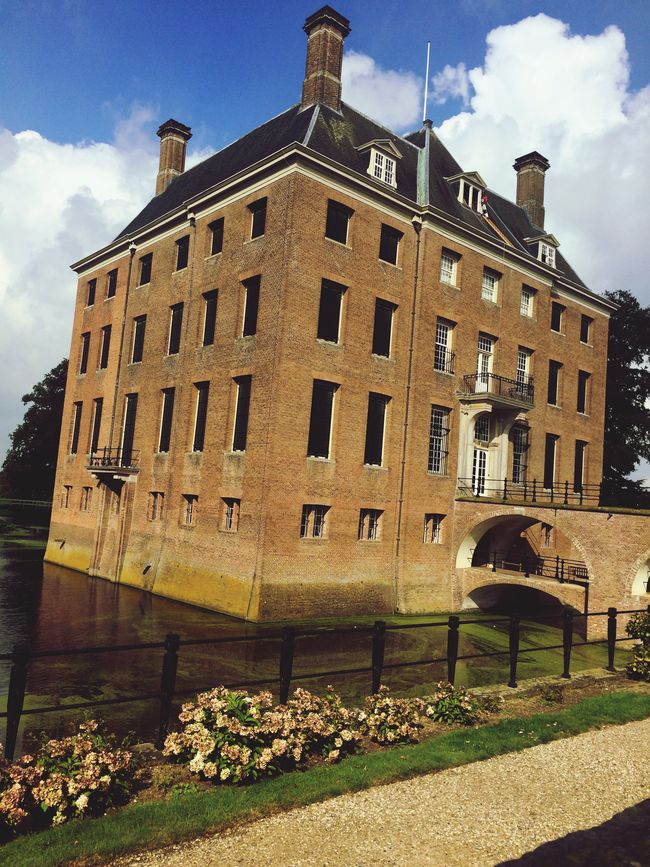 Historical Sights Sightseeing Taking Photos Castle Kasteel Amerongen Day Out Old Buildings