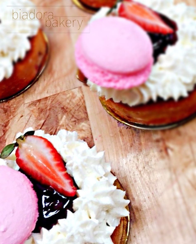 Available at Biadora Bakery, reach us at 505-467-9305 email sal@biadorabakery.com www.biadorabakery.com FB Biadora Bakery IG biadorabakery Twitter Biadorabakery Tumblr biadorabakery #fondantcakes #teacakes #pastries #customizedcakes #glutenfreebakin#biadorabakery #desserts #frenchitalian #freshfromtheoven #bakedfreshdaily #biadorabakery #santafenm #food #patisserie #bakeshop #bakery #santafebakery #santafebakeshop #croissant #danish #frenchmacaron #cookies #almondbrownies #linzer #fruittarts #palmiers #sambos #mangomousse #nappageneutre Food And Drink Dessert sweets Freshness Ready-to-eat Santa Fe New Mexico French-Italian patisserie Sweet Food Pastry Cake Glutenfree Baking Temptation Frenchmacaron