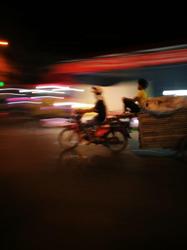 Lifestyles Night Photography Phnompenh Cambodia Oldmarket WORKHARD Little World Street Photography PhonePhotography HuaweiP9