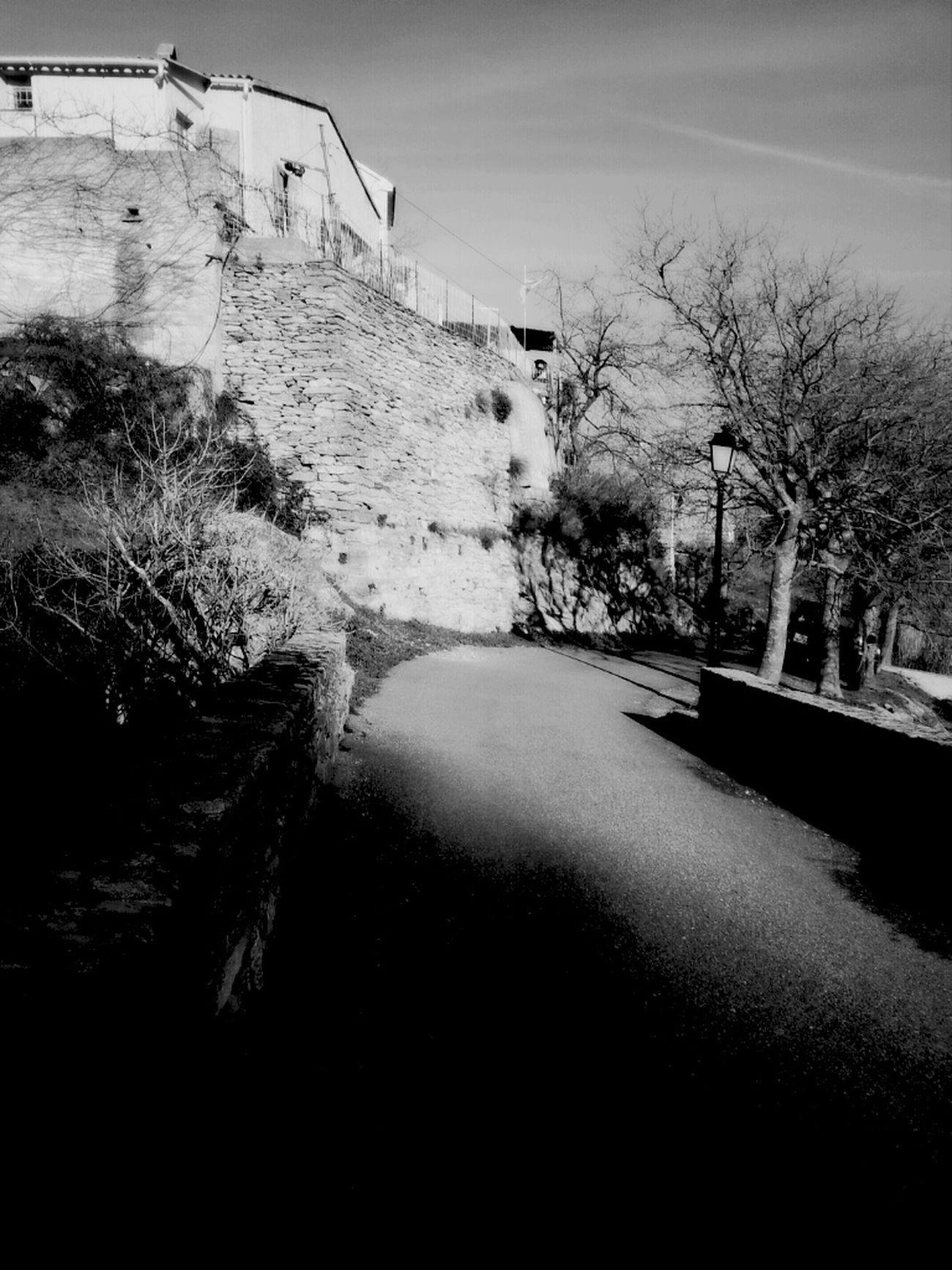 ... là où je t emmenerai aucune peur ni aucun doute le monde est toujours en été.. c est là que je t emmenerai pour te réchauffer et te protéger sans t étouffer..... je t emmenerai....... Bnw BNW CORSE Santu Petru