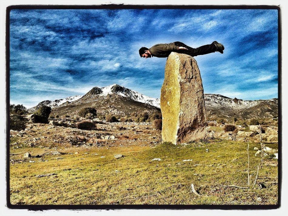 Dolmen #planking #maliciosa #mountain #guadarrama #snow #nieve #granito #rocks