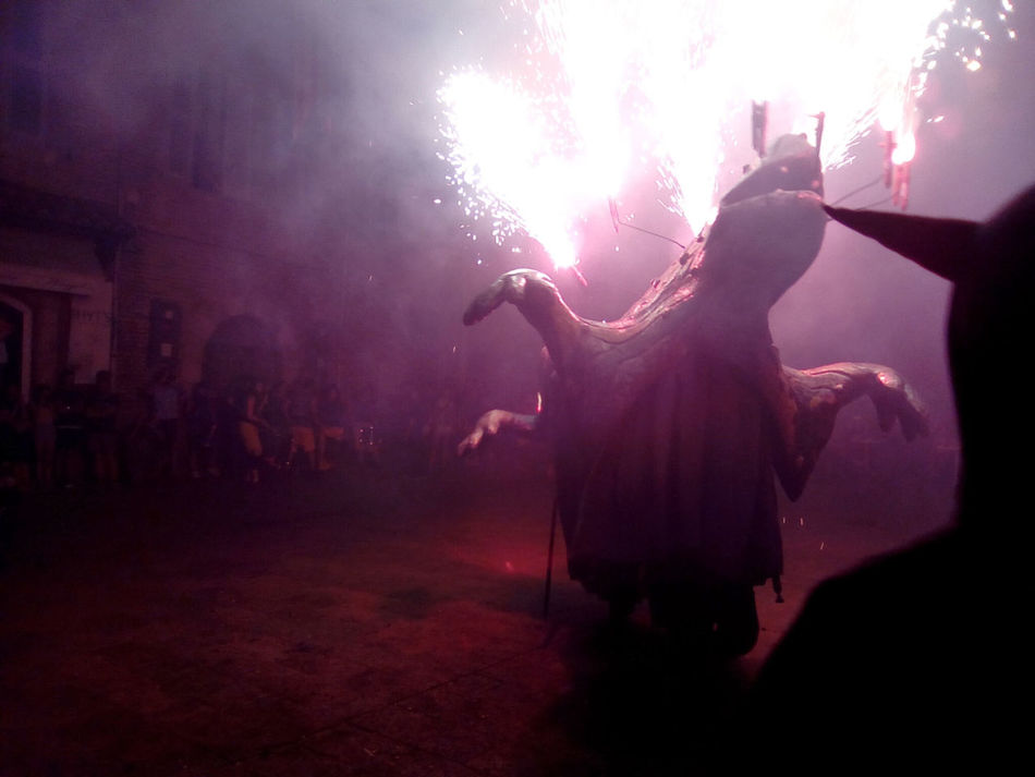 Correfocs Perpignan Performance Dragon Art And Figures Fire Dancing Silhouette Demons Dungeons & Dragons Arts Culture And Entertainment