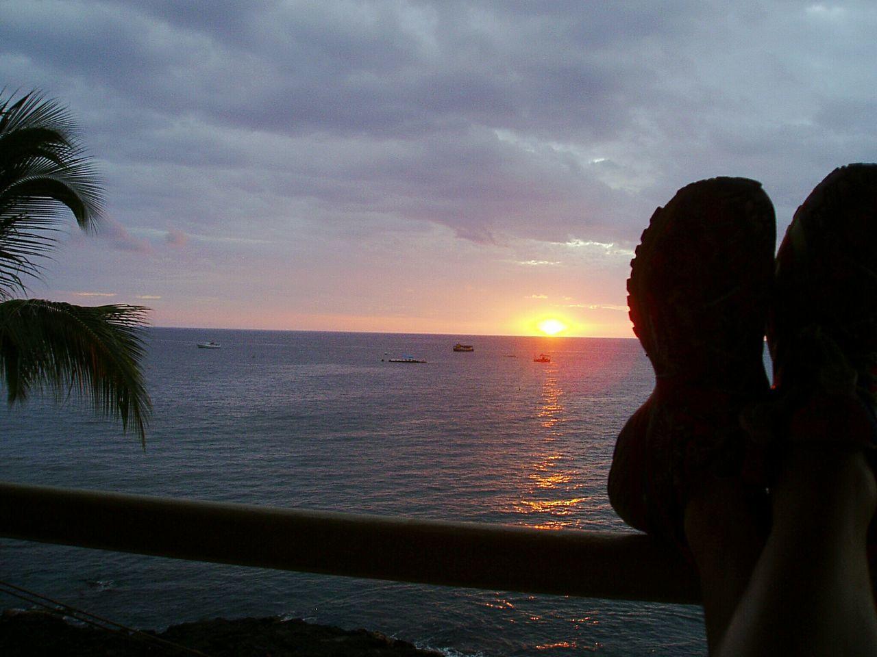 View To The Sea View To The Shore Kailua, Hawaii Kailua-Kona Coast, Hawai'i Relaxing Sunset Sundown Sun Set Sunset Sky Sunset Ocean View From Balcony Seascape Enjoying Life The Beauty Of Nature Living The Dream Scenics Feel The Journey 43 Golden Moments